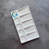 Керамическая палитра или белая тарелочка