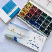 Краски: стандартный набор акварели в кюветах 24 цвета («Невская палитра» или любая профессиональная акварель)