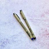 черный линер 02 или 03 и белая гелевая ручка